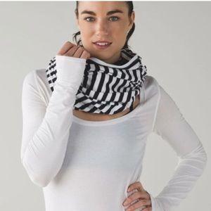 Lululemon vinyasa black and white striped  scarf